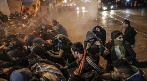 Κούρδοι διαδηλωτές στην Ινσταμπούλ