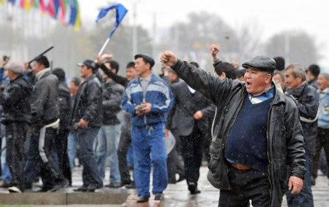 kyrgyzstantuliprevolution050331