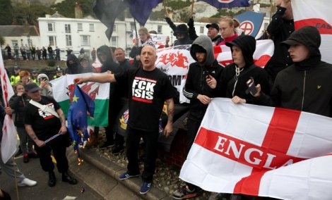 dover-protest-isis-migrants1