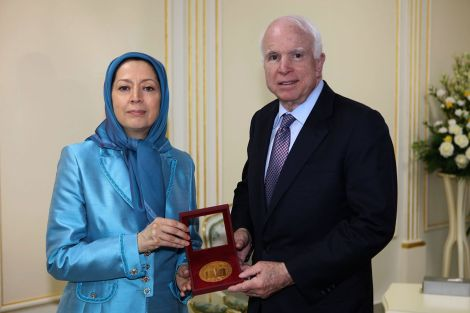 12-maryam-rajavi-and-senator-mccain-meet-2