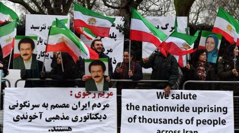 protesters_gather_outside_the_iranian_embassy_in_central_london_on_january_2_2018_in_support_of_demonstrations_in_iran_against_the_existing_regime-_getty_images