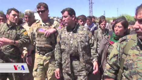 us_and_ypg_officers_in_northeastern_hasaka